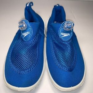Speedo water shoes youth Sz 11 12 blue